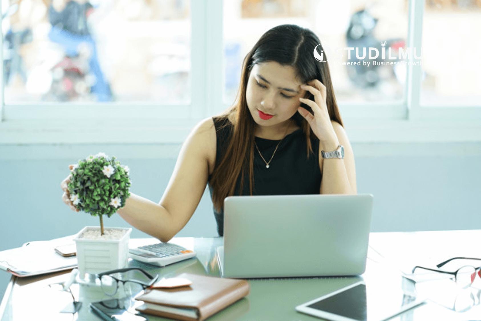 STUDILMU Career Advice - 10 Sikap Negatif yang Dapat Mengganggu Kenyamanan Lingkungan Kerja
