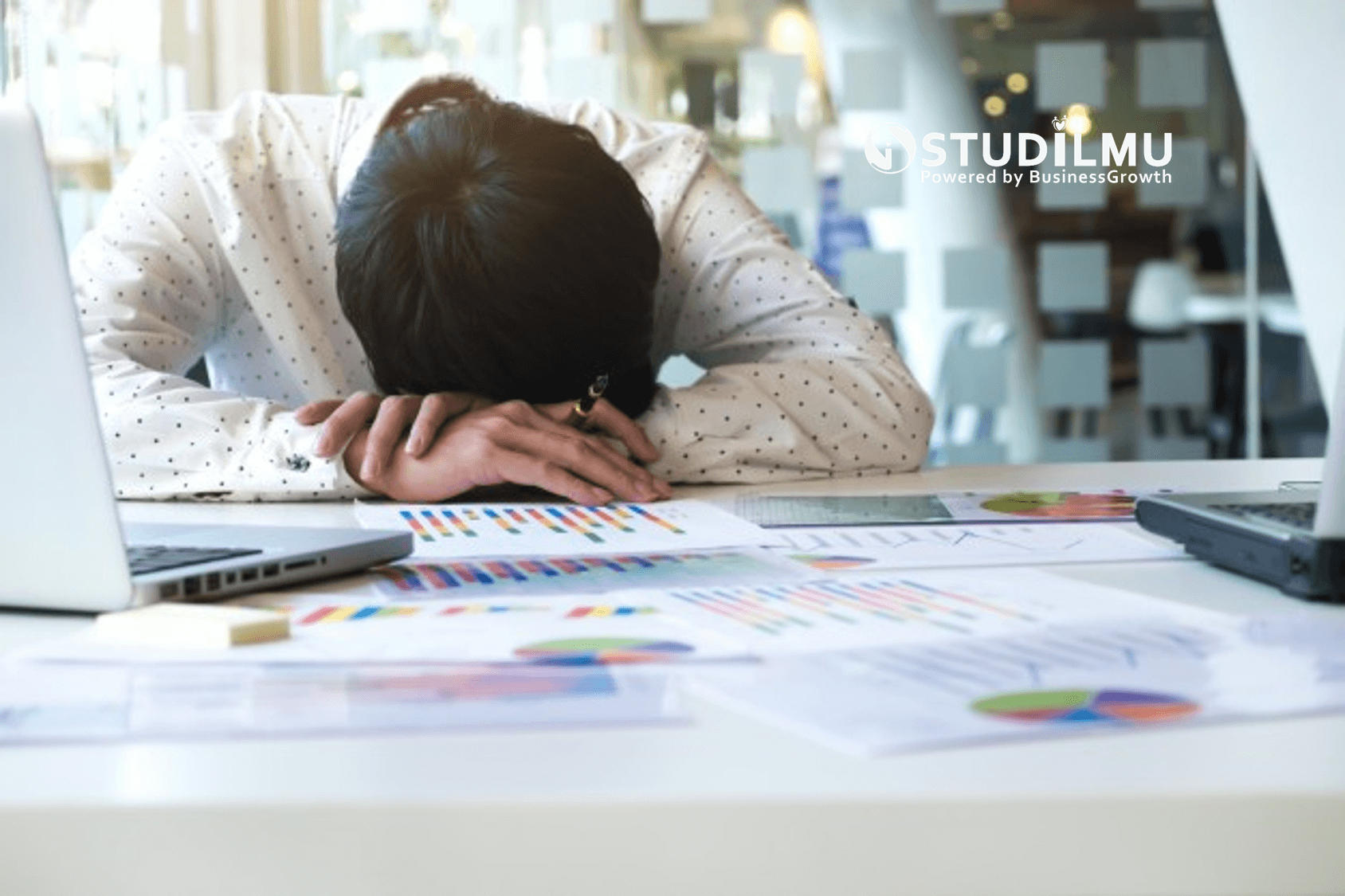 STUDILMU Career Advice - 5 Alasan Musuh Terbesar adalah Diri Sendiri