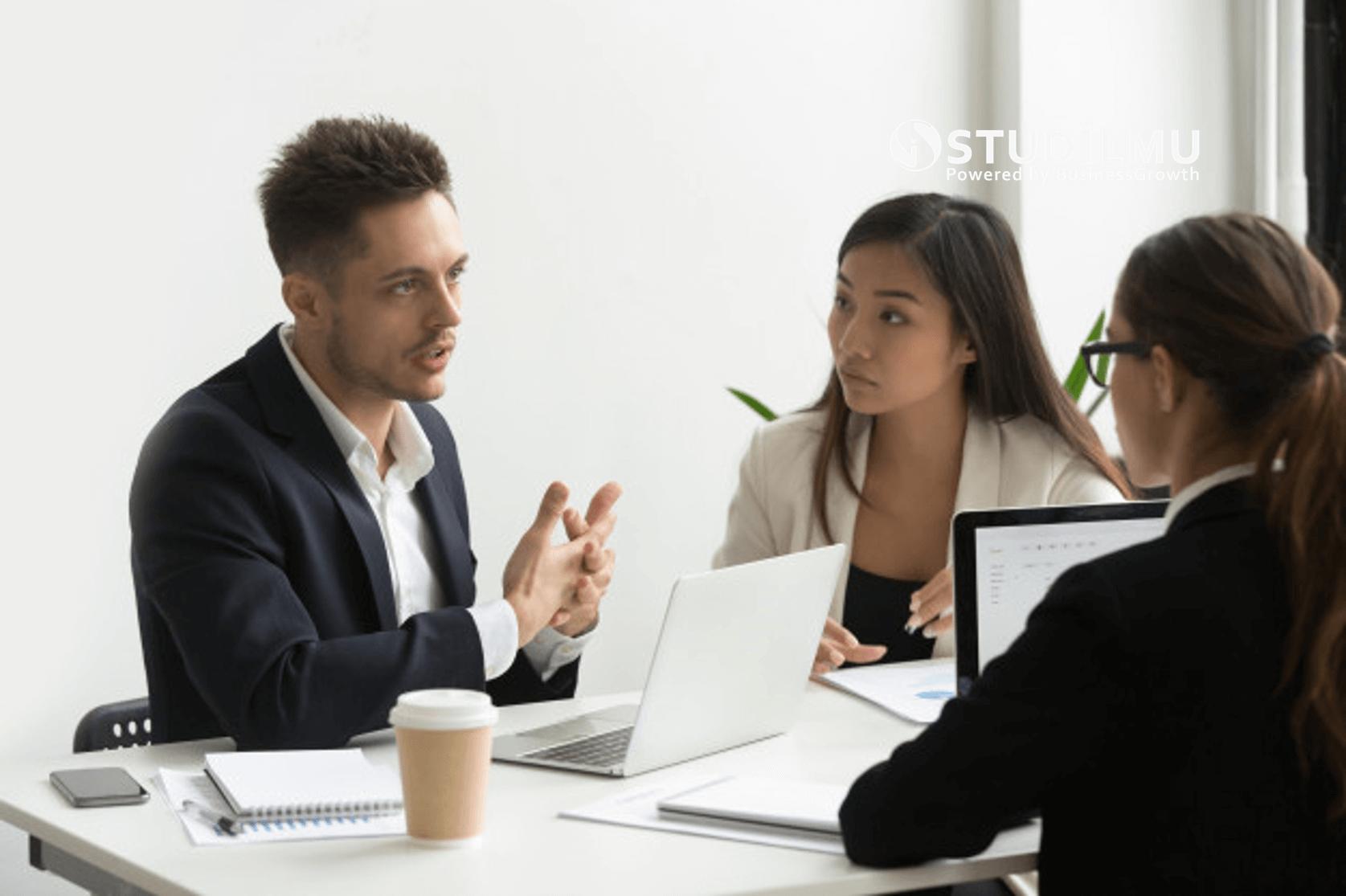 STUDILMU Career Advice - 4 Keterampilan Komunikasi untuk Mengikat Hati Milenial di Perusahaan