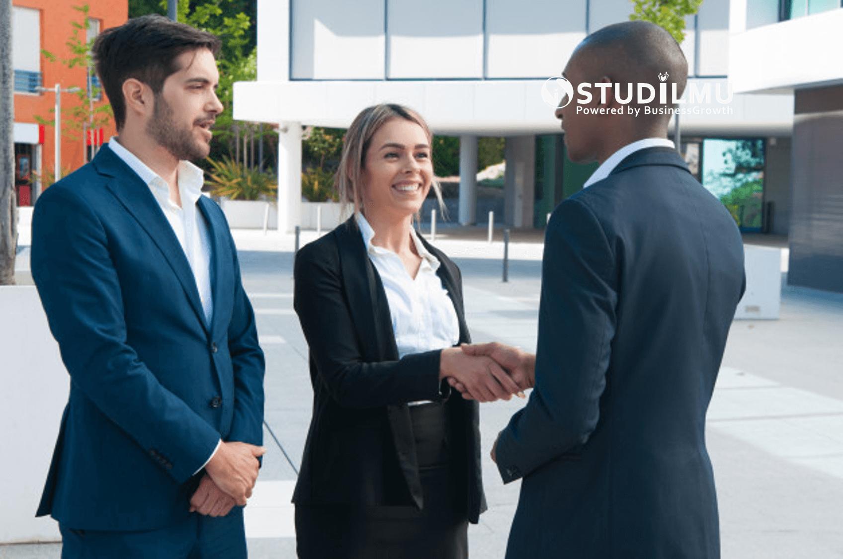 STUDILMU Career Advice - 7 Cara Menjadi Lebih Percaya Diri Ketika Bertemu Klien