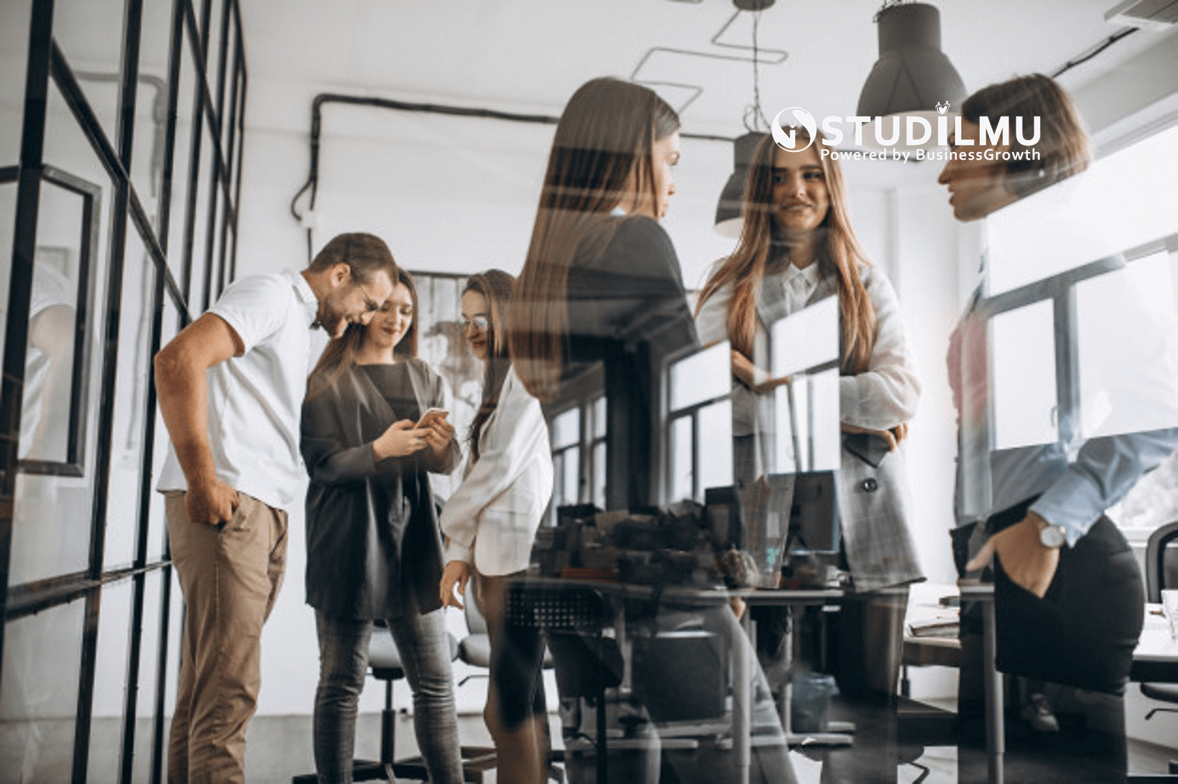 Contoh Komunikasi Verbal dan Non-verbal dalam Dunia Kerja
