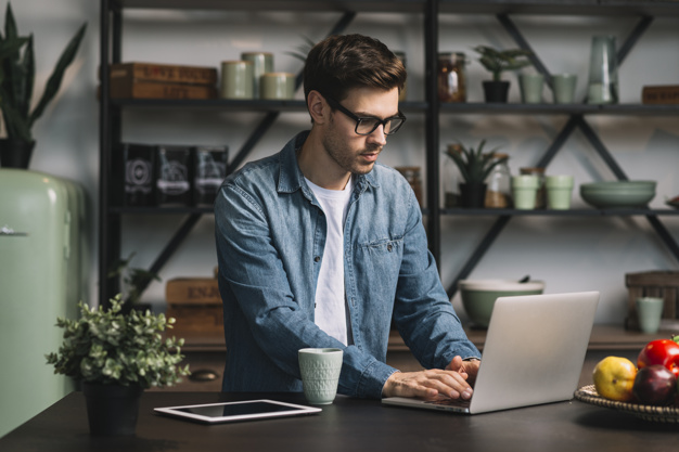 STUDILMU Career Advice - 6 Tips Tetap Disiplin dan Fokus Walau Bekerja Di Rumah