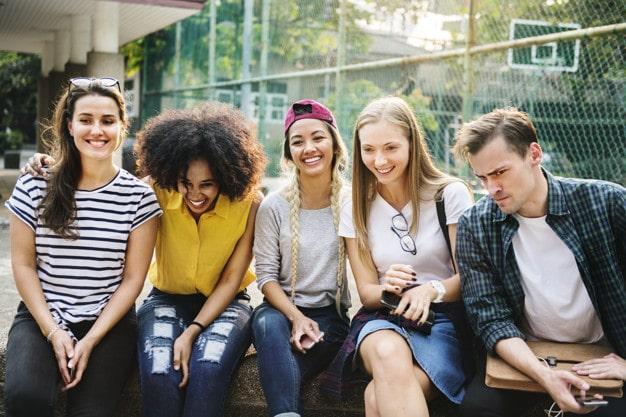 Generasi Milenial, Fakta Generasi Milenial dan Tantangan Generasi Milenial