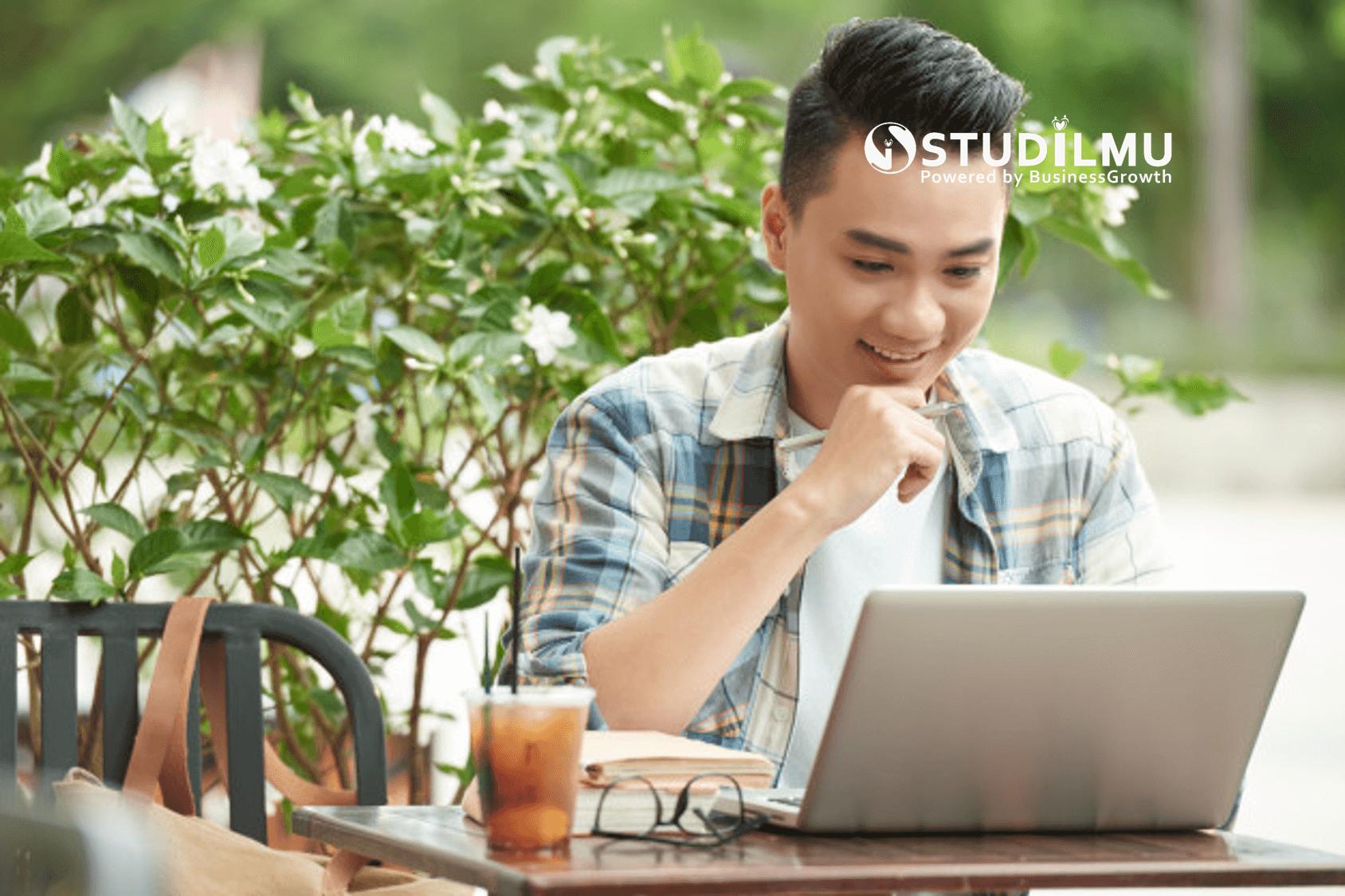 Kerja Online: Pengertian, Manfaat dan Contoh Kerja Online