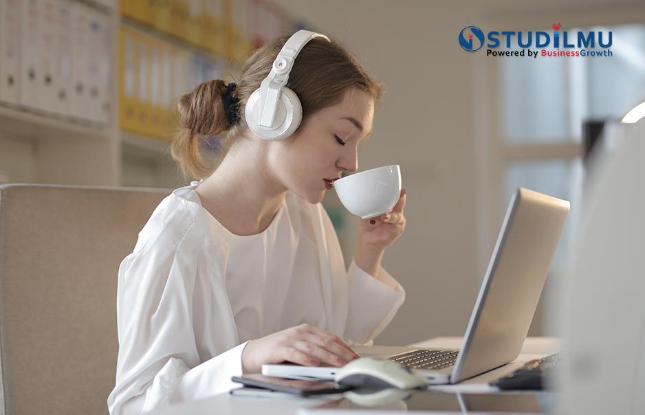 STUDILMU Career Advice - Aktivitas untuk Mengatasi Kebosanan di Kantor