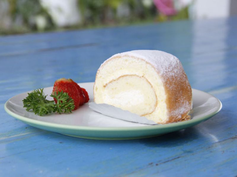 Shiraki Cake Roll