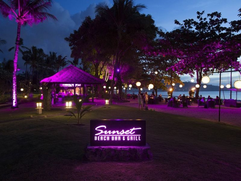 Sunset Beach Bar & Grill - Night Time