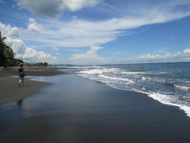 Lebih/Keramas Beach