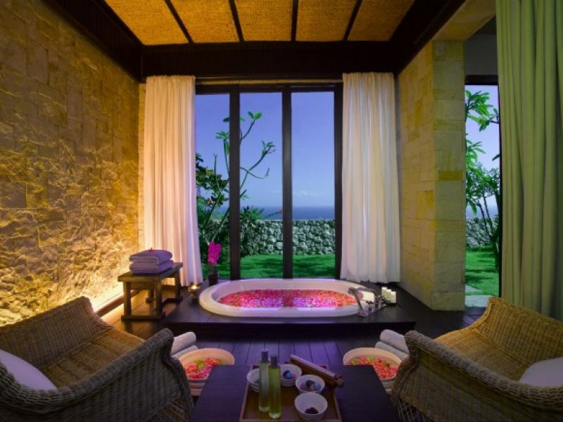 Royal Cliff Treatment Room