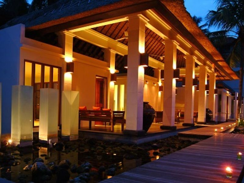 Rama Spa PAVILLION at night