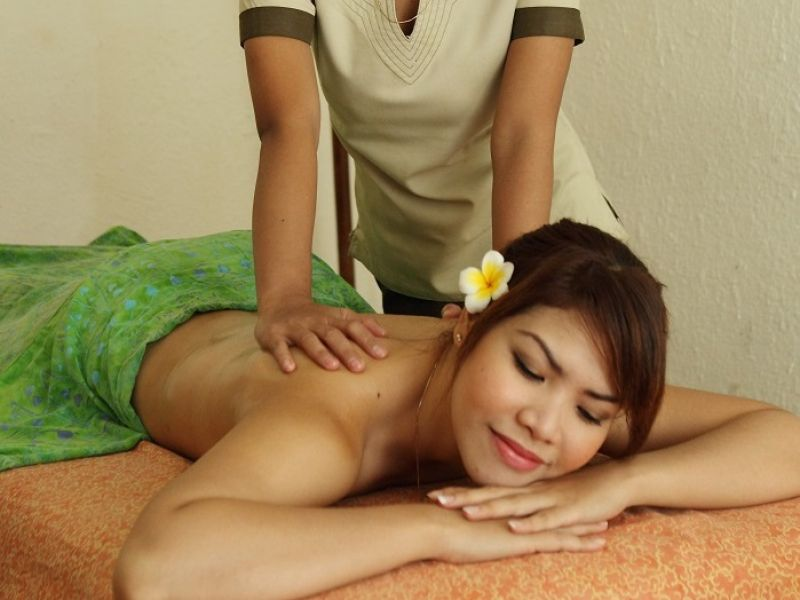 VCO Full Body Massage