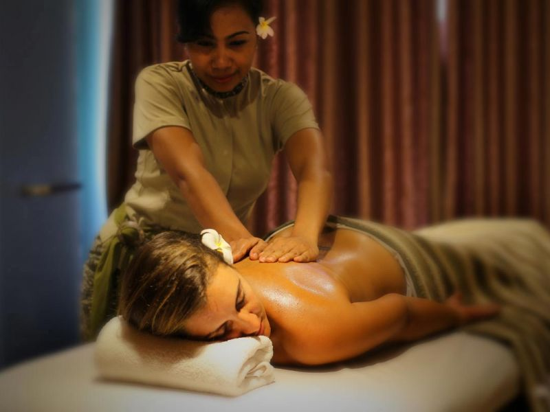 Relaxing Traditional Balinese Massage at Drupadi Spa