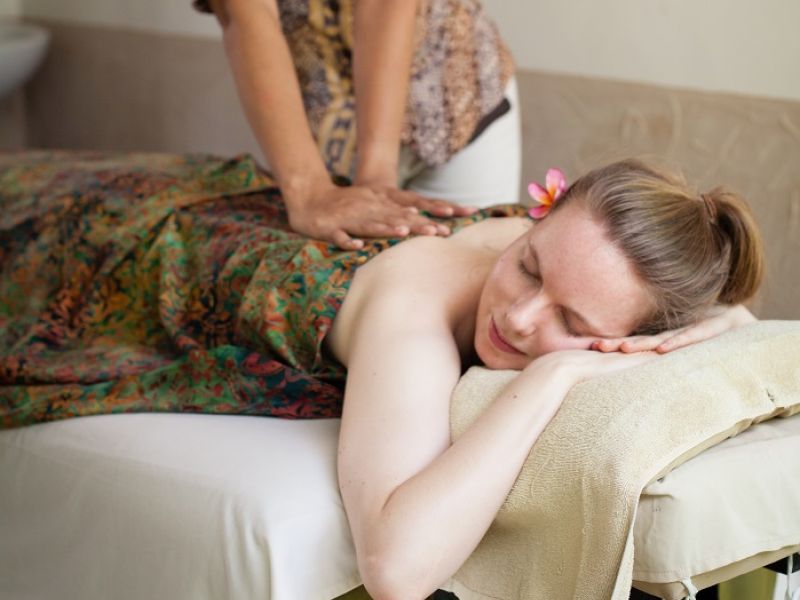 Balinese Massage at Single Room
