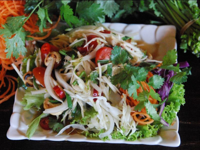 Thai Mango Green Salad