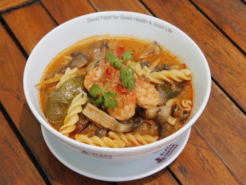 Pasta in Spicy Prawn Soup