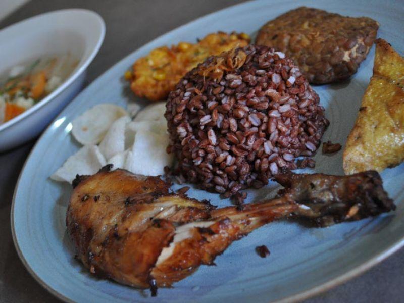 Nasi Campur Ayam Goreng
