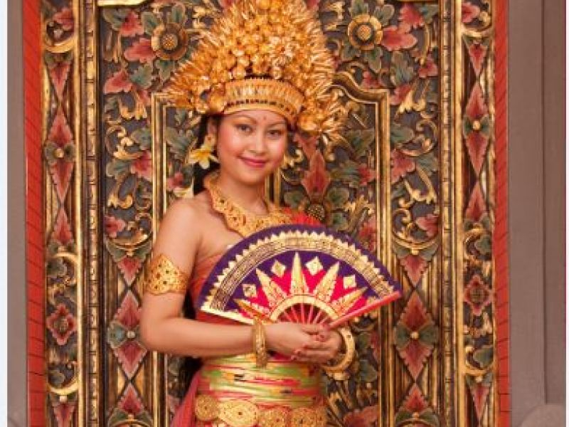 Balinese Costume Photo (1 hour)