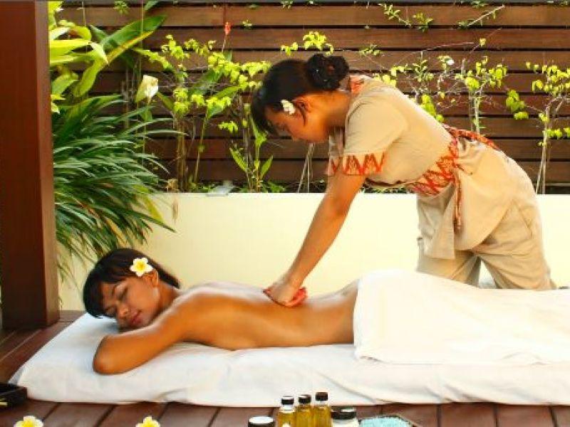 Aroma Therapy Massage (60 min)