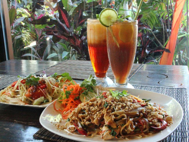Phat Thai Kai