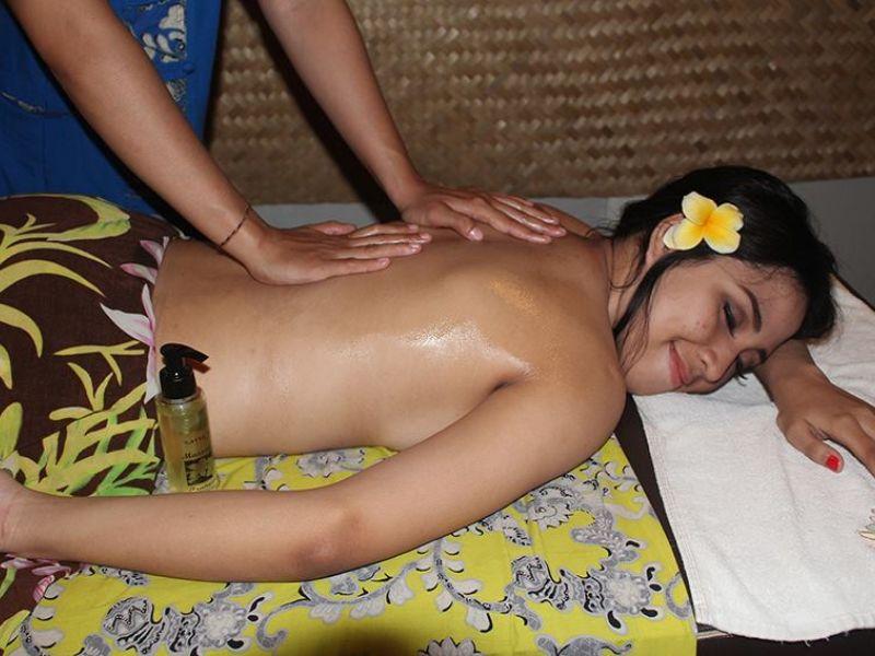 Good Kharma Body Massage (1 hour)