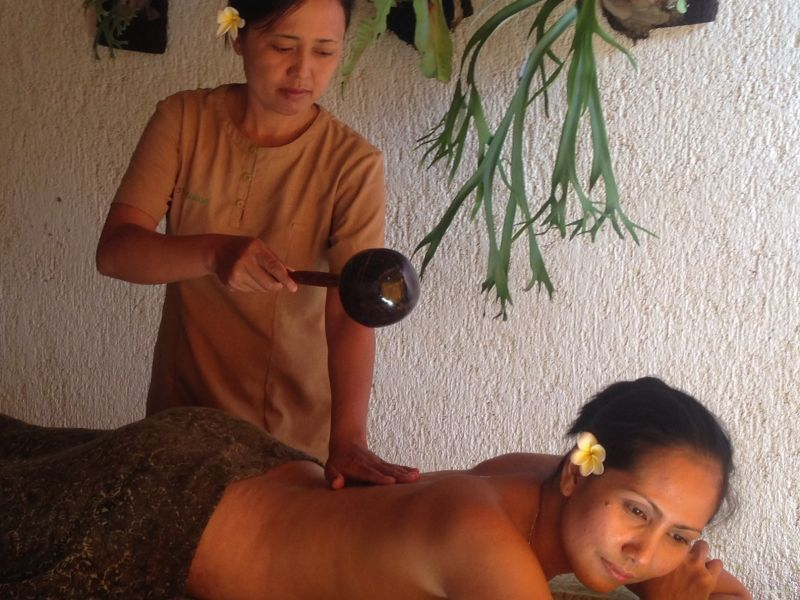 Exotic Warm Massage (1 hour 30 minutes)