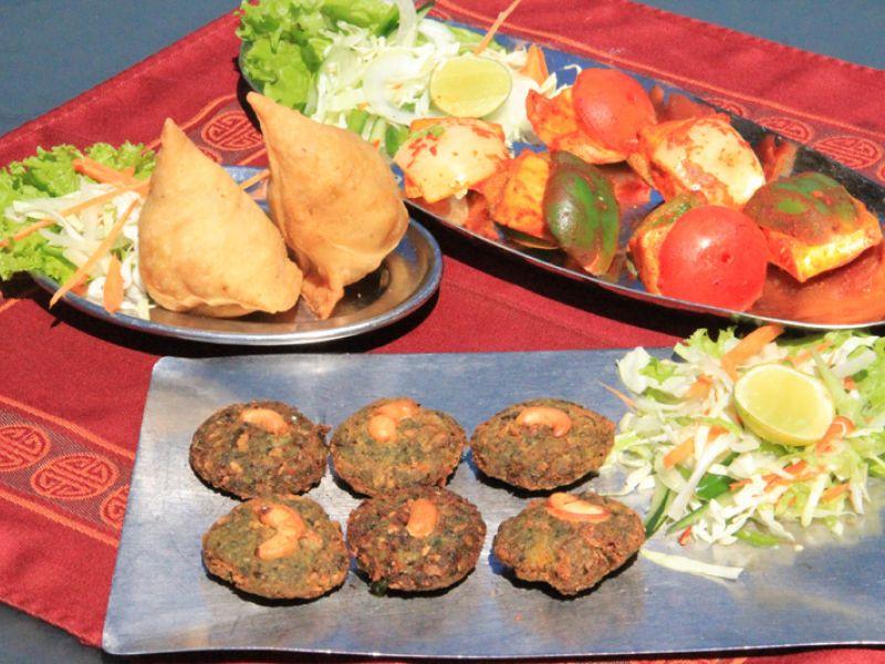 Samosa (Vegetable, Photo left)