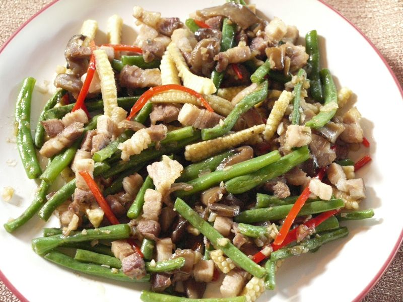 Chinese-style Stir-Fry with Green Peppers and Meat