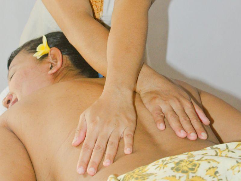 Aromatherapy Massage (90 minutes)