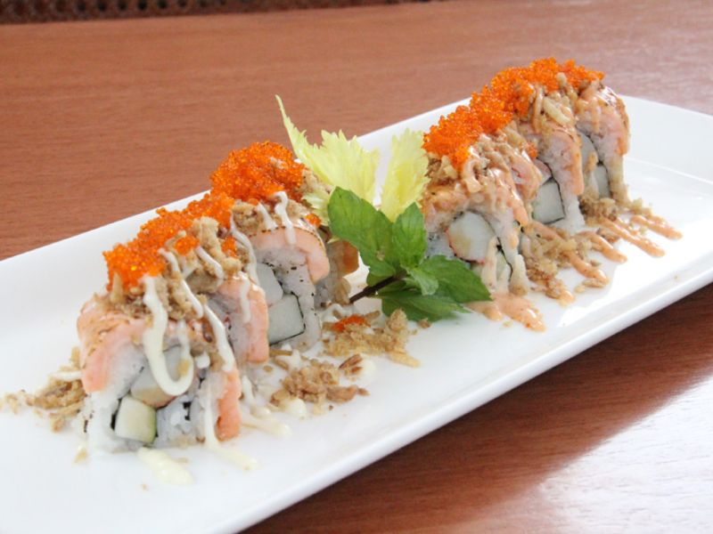 Spicy Salmon Belly Maki