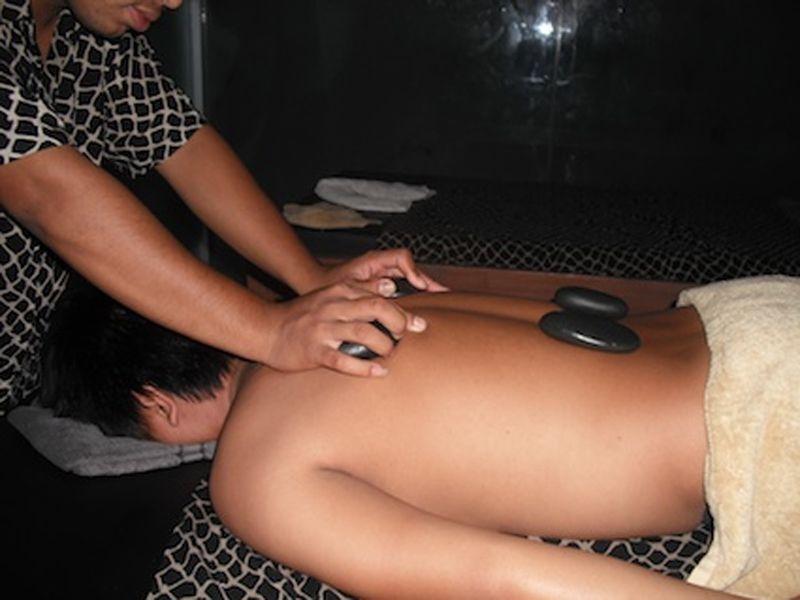 Warm Stone Massage (60 min)