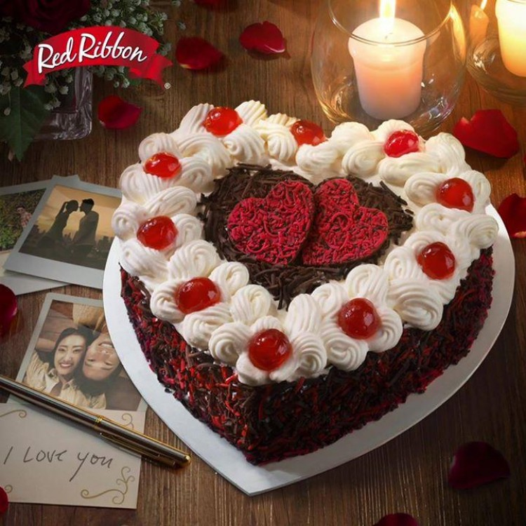 Red Ribbon Valentine Black Forest Cake Loopme Philippines