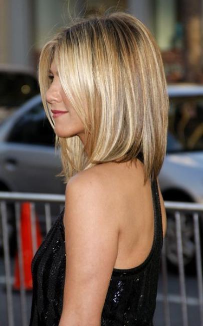 50 Gaya Rambut Tanggung yang Harus Kamu Coba! Page 5 - Jelita 27f7ea797e