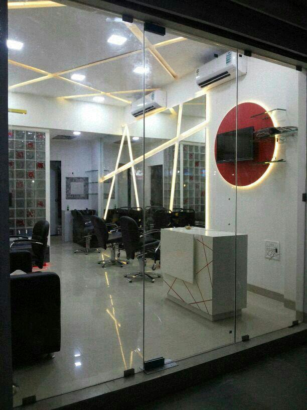 Unisex salon in Malad West, Mumbai