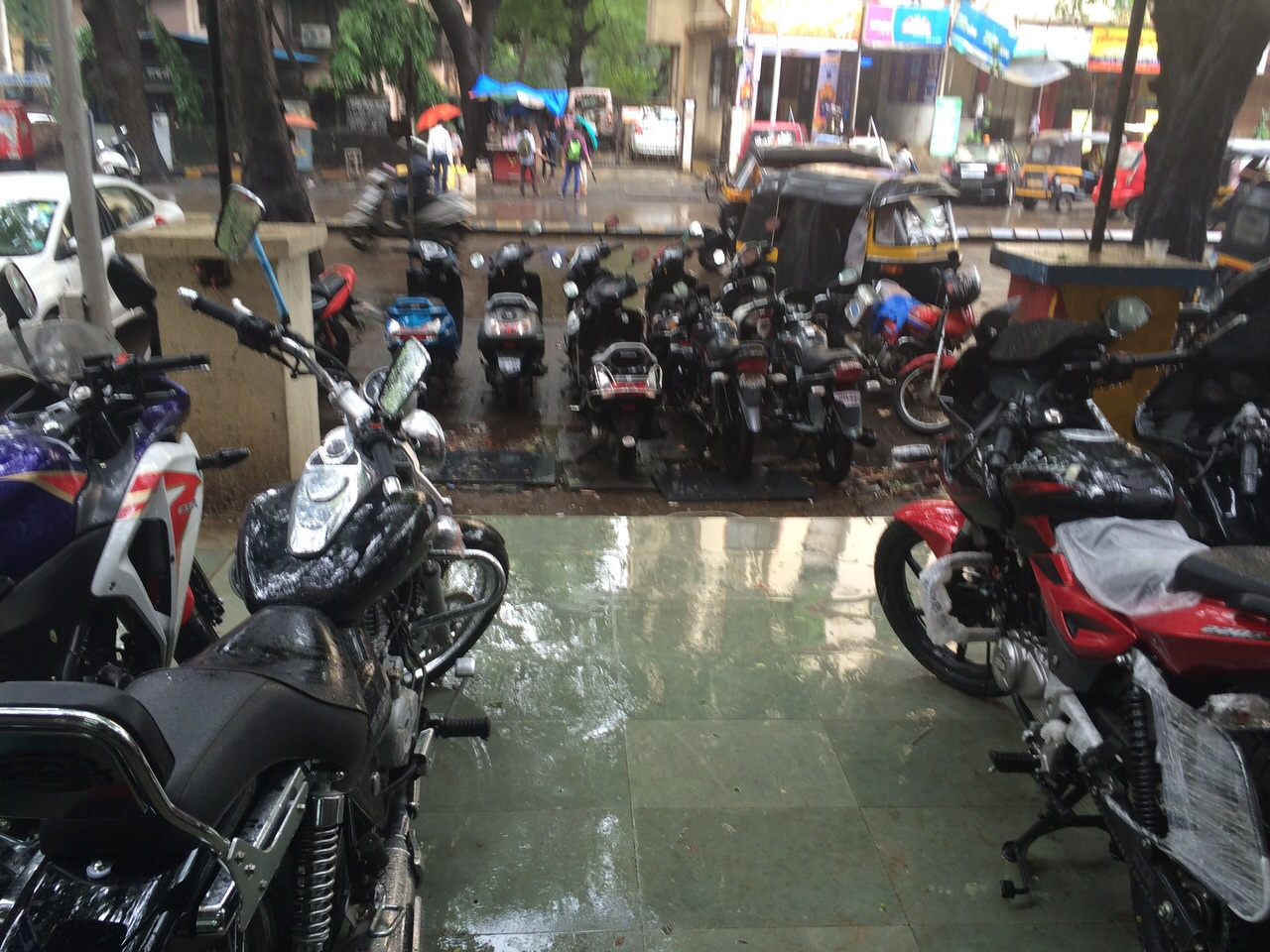 Used Two Wheeler Dealer in Mulund East, Mumbai