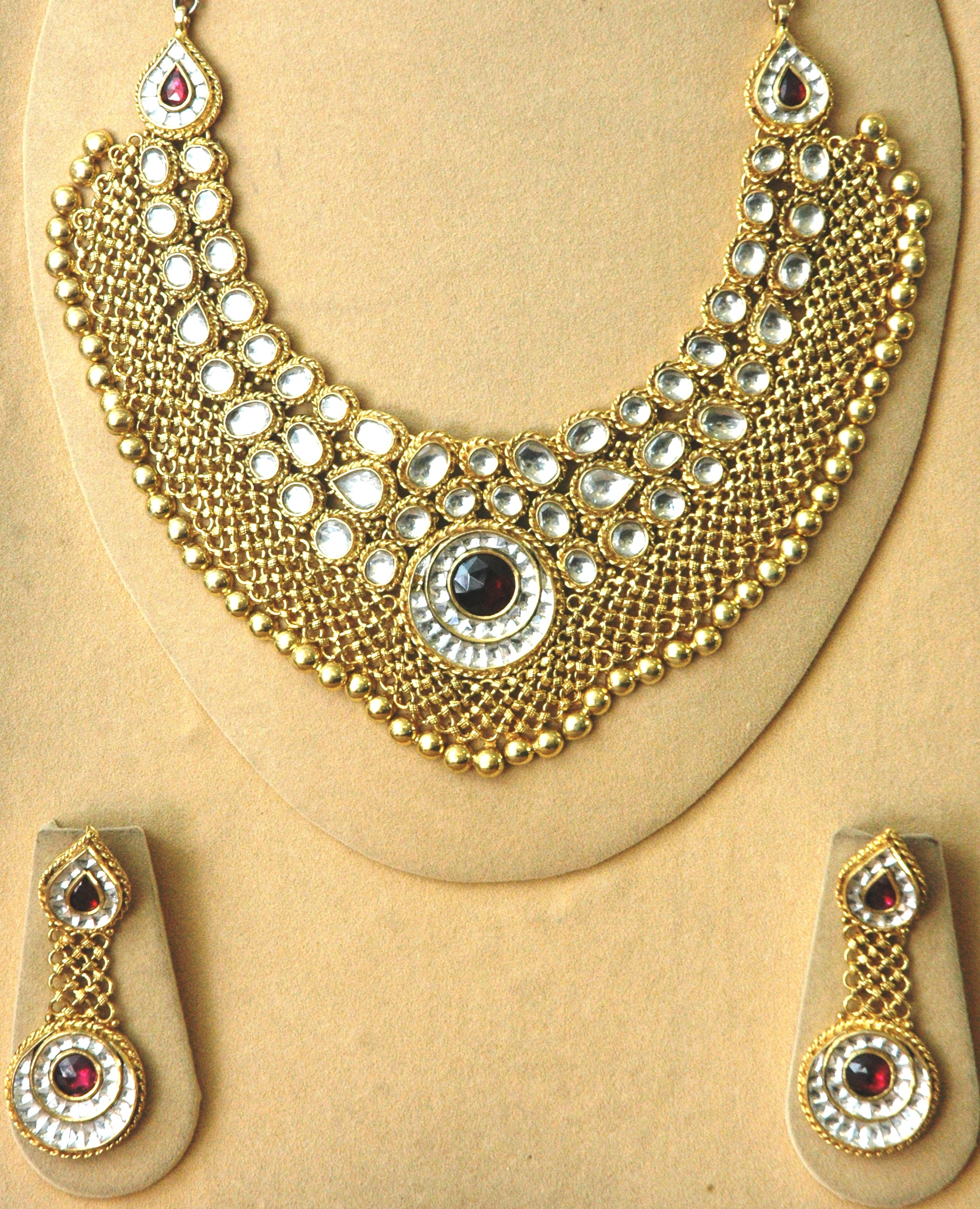 Discounts in Shahdara, New Delhi on Jewellery Diamond Silver Gold ...