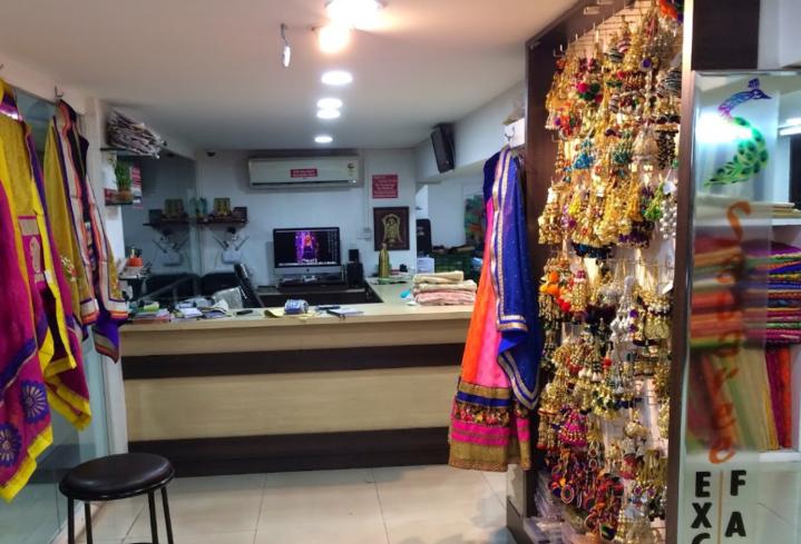 40ecfff66b Mens & Women Ethnic Wear Discount in Pune   Savaree The Handloom Boutique