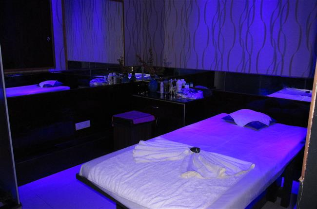 INDONESIAN MASSAGE in MG Road, Gurgaon