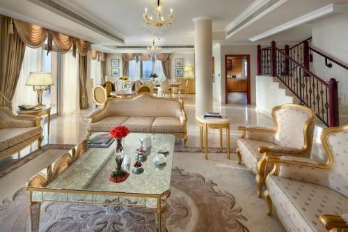 SetWidth1300-penthouse-living-room-pcp-KempinskiPalm