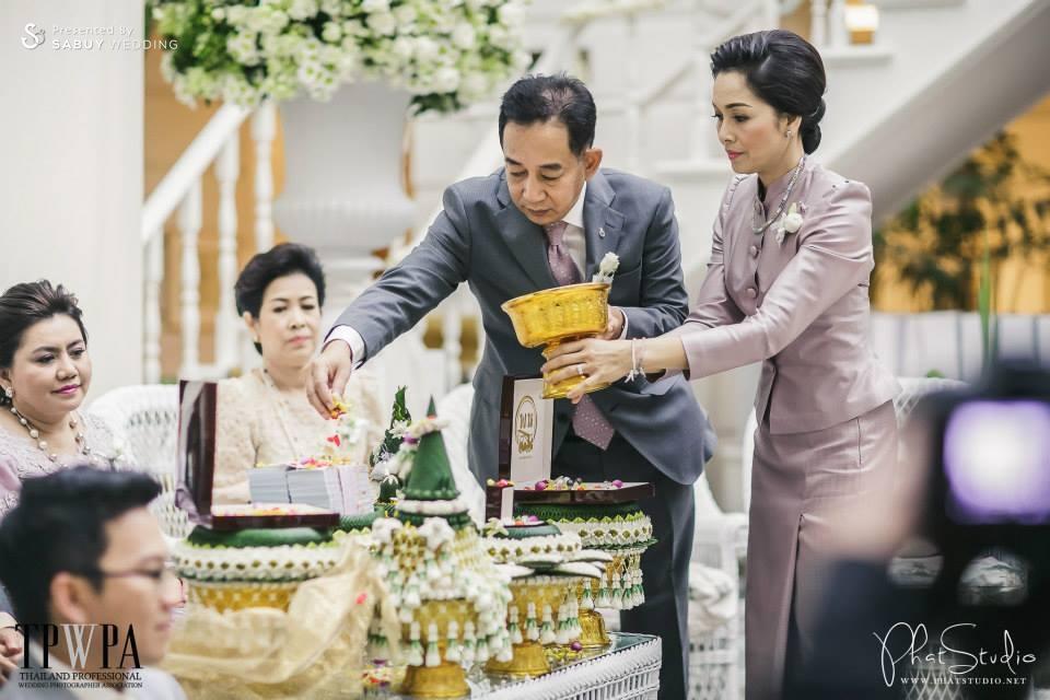 งานหมั้น,พิธีหมั้น,งานแต่งตอนเช้า,พิธีแต่งงาน,พิธีแต่งงานแบบไทย,พิธีปูเรียงสินสอด ครบถ้วนพิธีแต่งงานแบบไทย