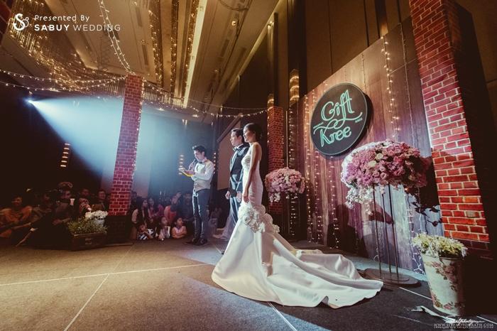 บ่าวสาว,ชุดบ่าวสาว,ชุดเจ้าสาว,ชุดเจ้าบ่าว,สถานที่แต่งงาน,สถานที่จัดงานแต่งงาน,พิธีกรงานแต่ง,ตกแต่งงานแต่ง,เวทีงานแต่ง,จัดดอกไม้งานแต่ง รีวิวงานแต่ง สองธีมจัดไป แต่งแบบไทยและปาร์ตี้ Bistro @The Okura Prestige