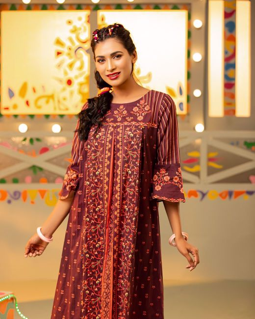 Picture of Womens Woven Long Kurtis