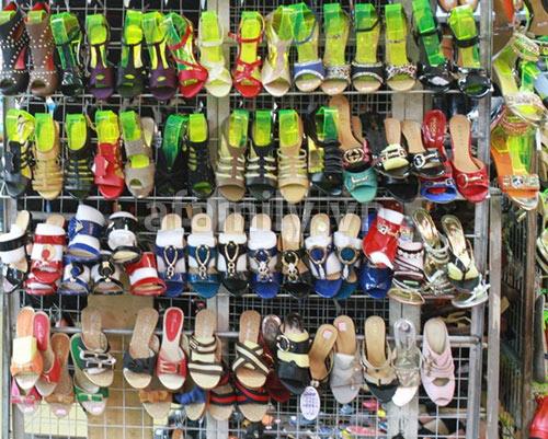 Nguồn hàng giày dép giá rẻ cho cửa hàng giày dép