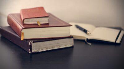 8 cuốn sách không thể thiếu để bắt đầu và vận hành doanh nghiệp