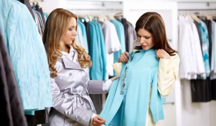 """Bí mật bán đắt hàng P1: Nên làm gì khi khách hờ hững nói """"cứ để tôi xem""""?"""