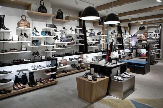 Chi tiết mọi thứ cần chuẩn bị để mở shop kinh doanh giày dép thành công