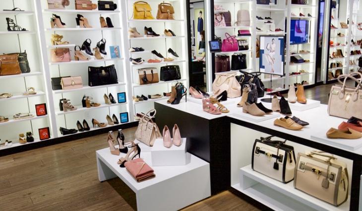 Nên kinh doanh giày dép Made in Việt Nam hay hàng Trung Quốc?