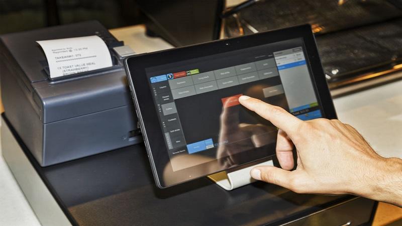 Bán tại cửa hàng nhất định phải có phần mềm in hóa đơn bán hàng Sapo POS