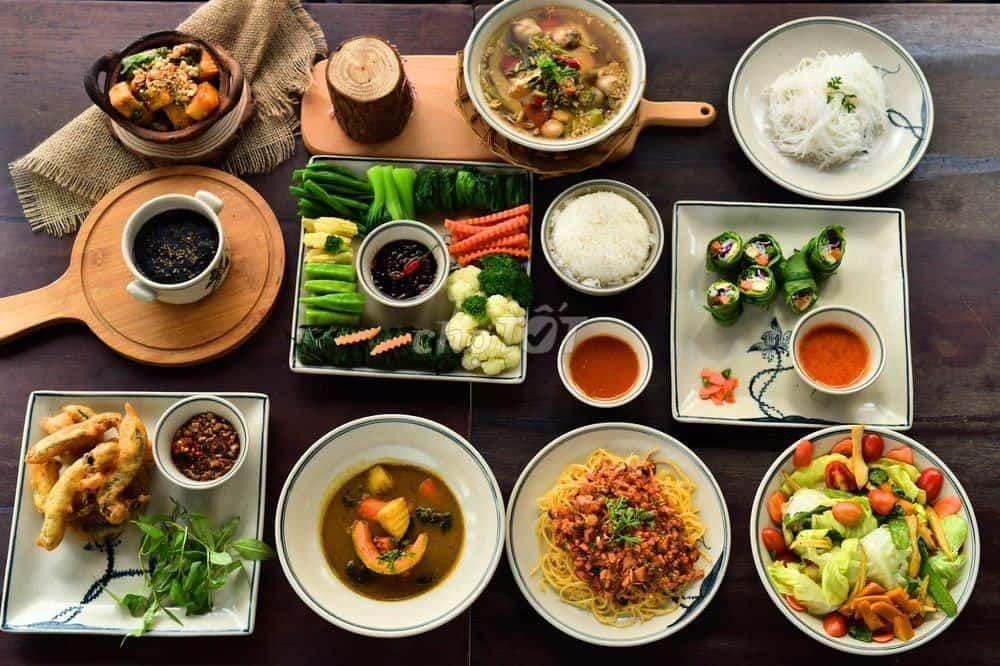 Top 9 quán chay ngon thực dưỡng hot nhất Hà Nội