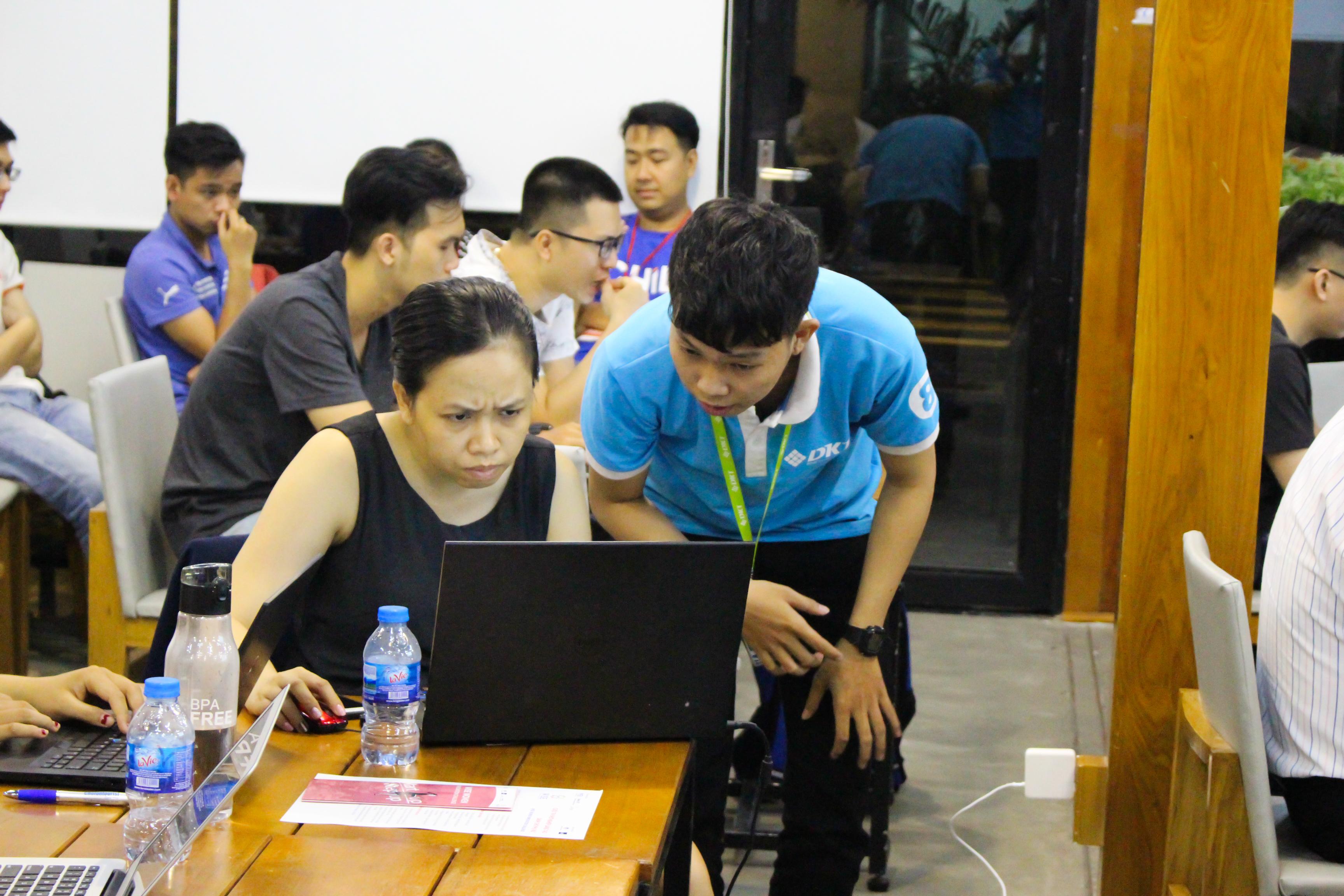 Gần 30 chủ shop tham gia workshop Xây dựng Web Và Landing Page để tạo Omnichannel