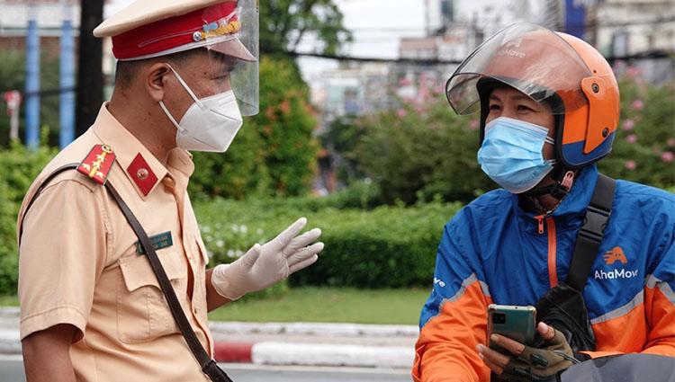 Hà Nội yêu cầu tất cả các đơn vị gọi xe công nghệ dừng cung cấp dịch vụ